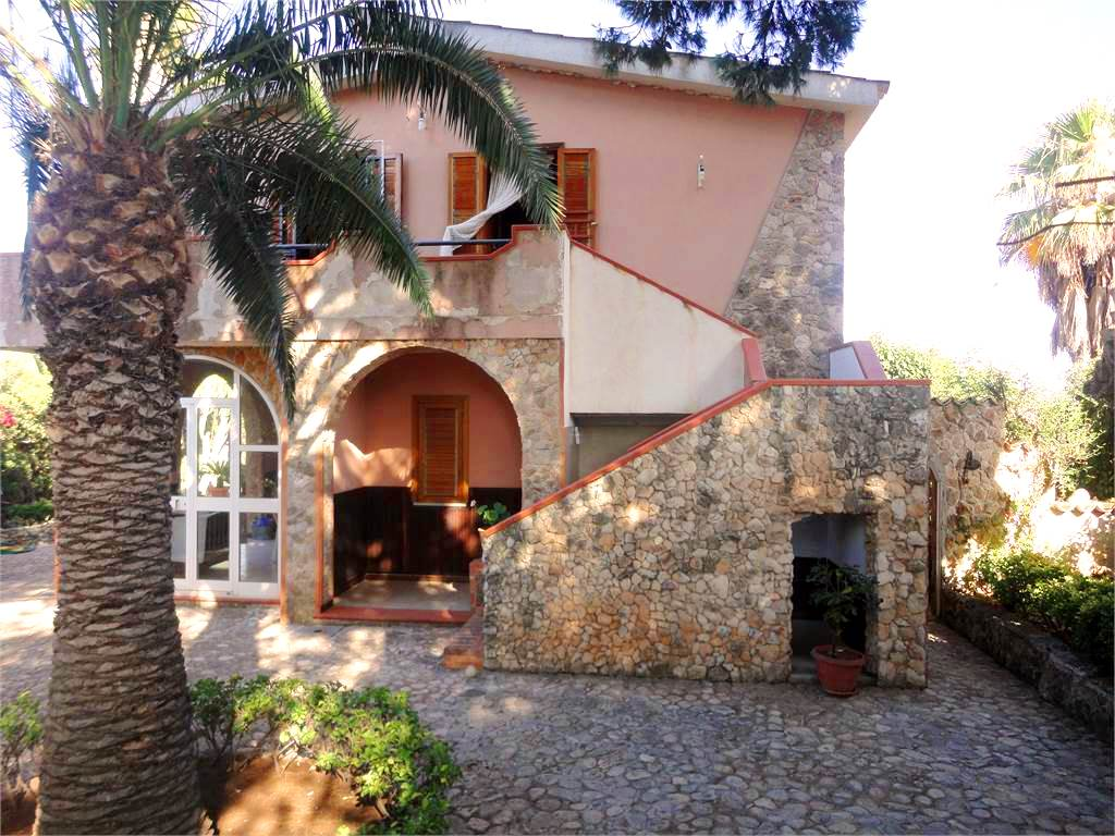 single house for sale fontane bianche sicily